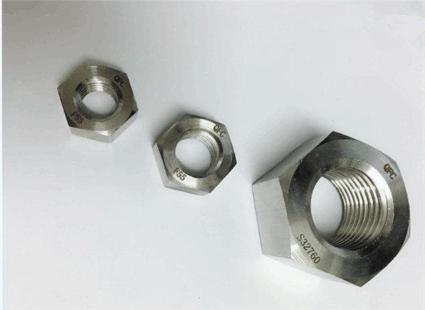 dupleksa 2205 / f55 / 1.4501 / s32760 neoksideblaj ŝtalaj fiksiloj peza heksa nukso m20